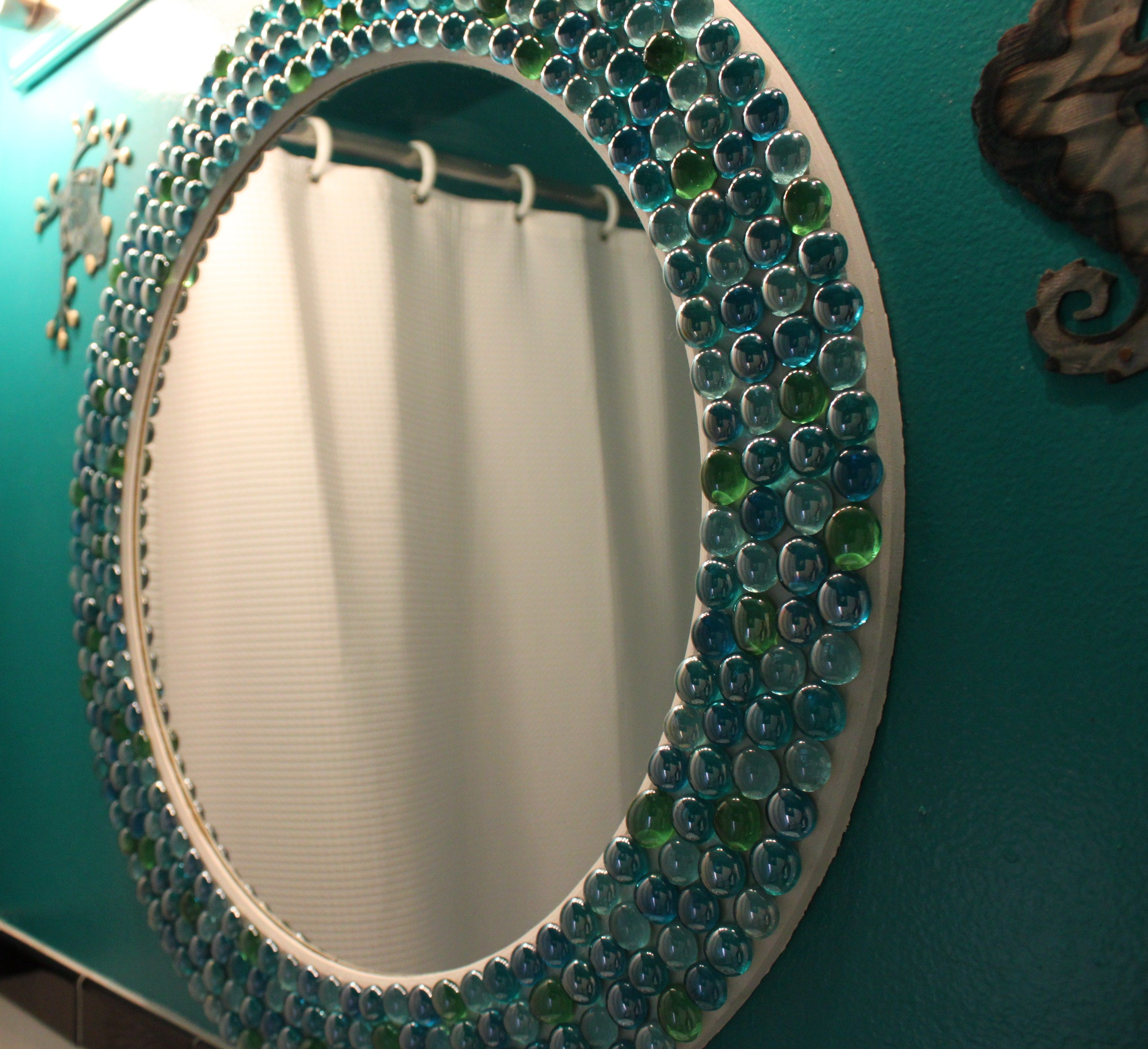 Diy Picture Frame With Glass Decorate A Wooden Frame Using Glass Beads From Dollar