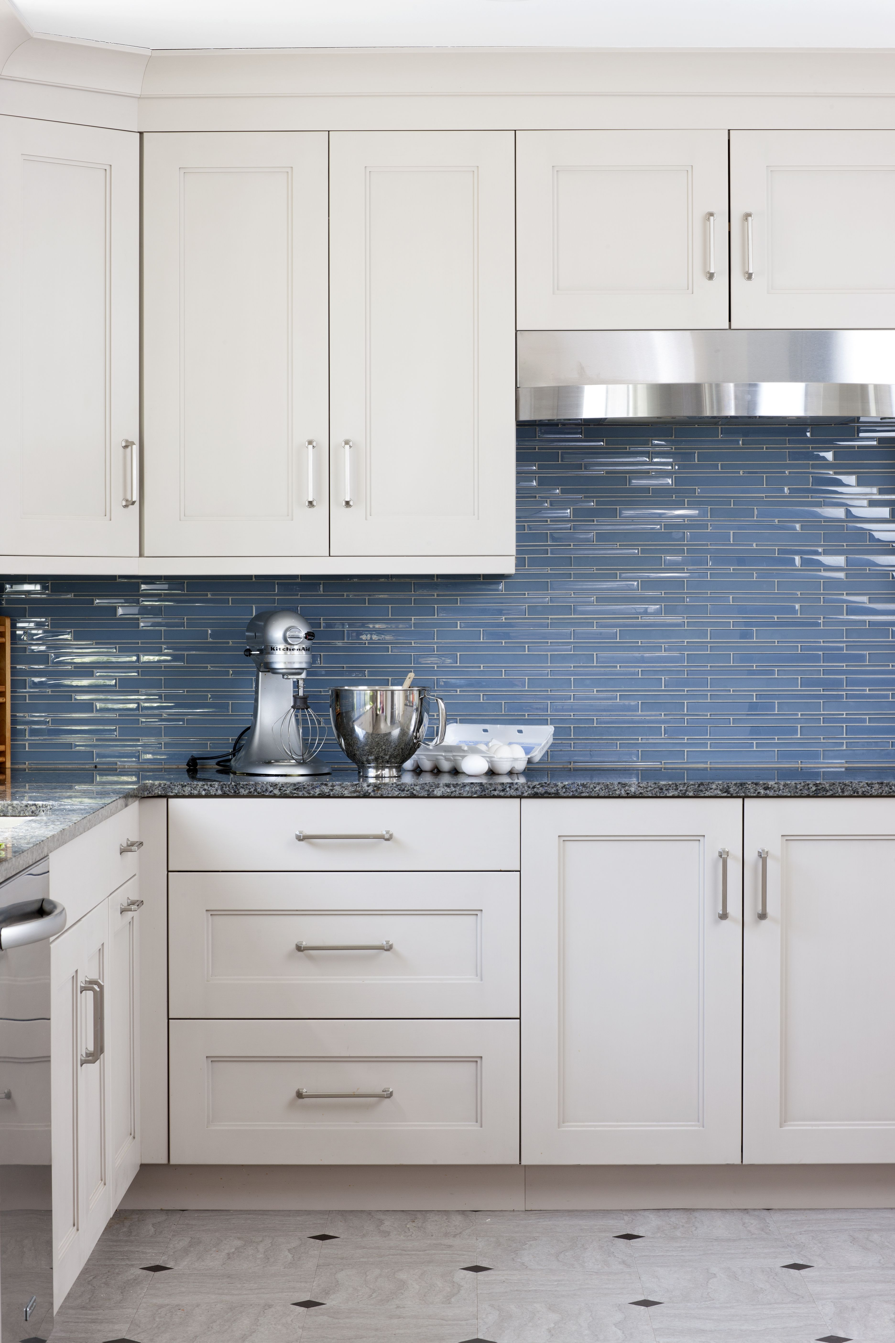Blue Countertops White Cabinets Blue Grey Kitchen Glass Splashback Tiles Are A Strong