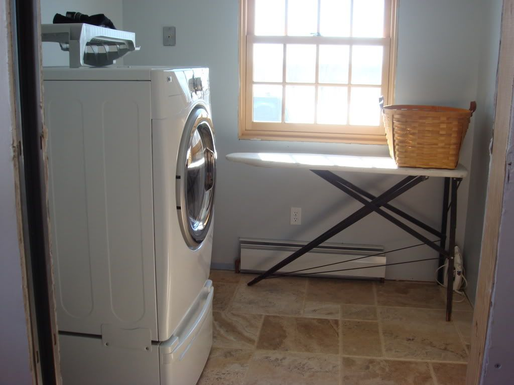 Farmhouse Laundry Room Floor Best 25 43 Laundry Room Floors Ideas On Pinterest