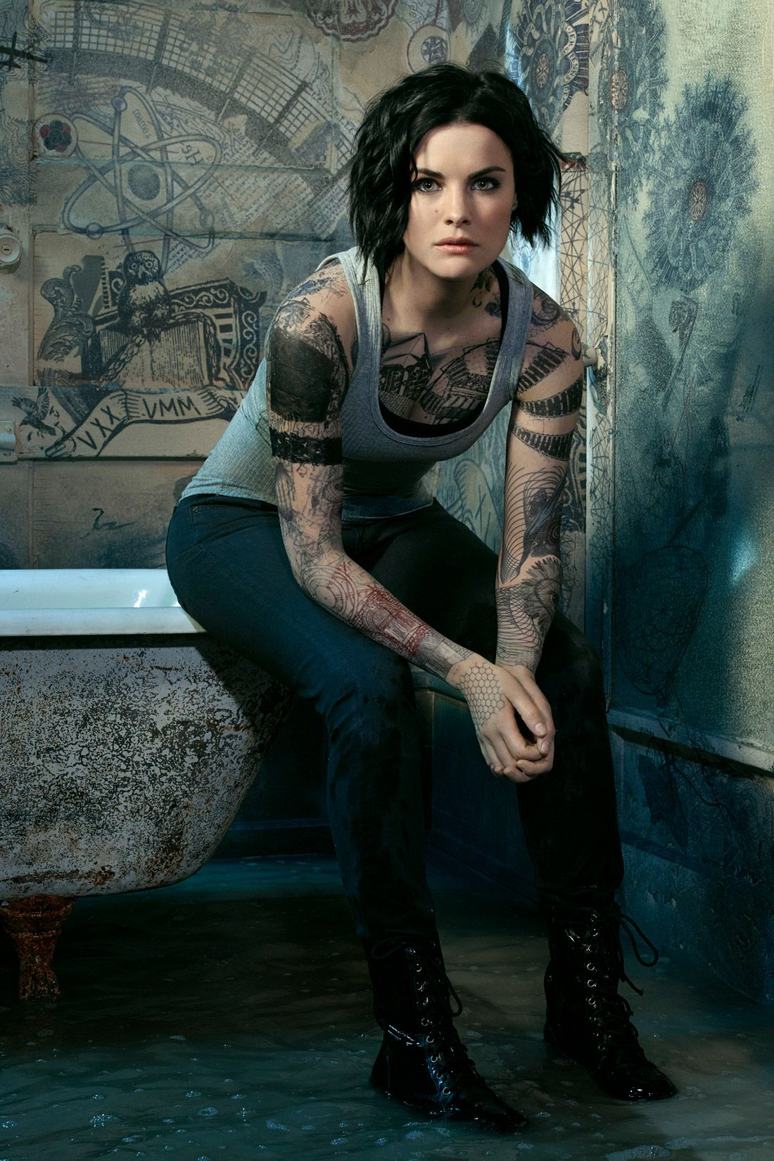 Fake Quotes Wallpaper Jaimie Alexander S New Blindspot Promos Show Off Her
