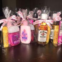 baby shower favors for guests! women's: Burt's Bees lip ...