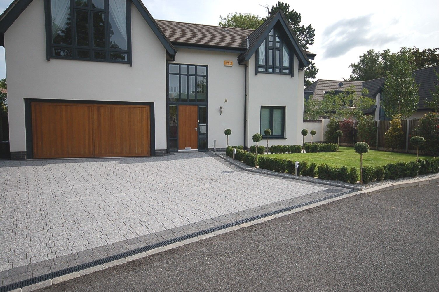 Contemporary Driveway Pic Gt Modern Driveways Images Pavers Pinterest