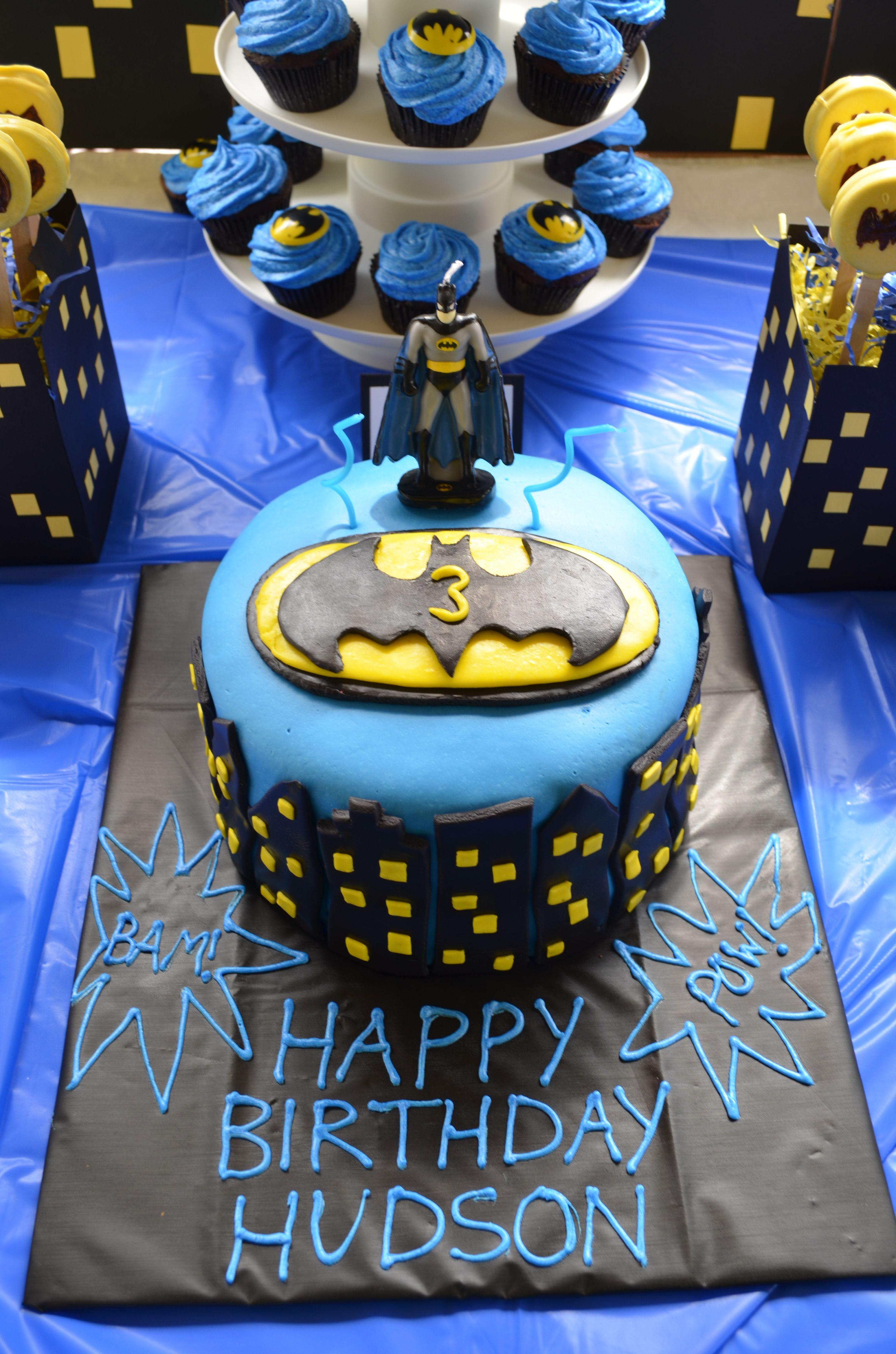 Batman marshmallow fondant covered cake