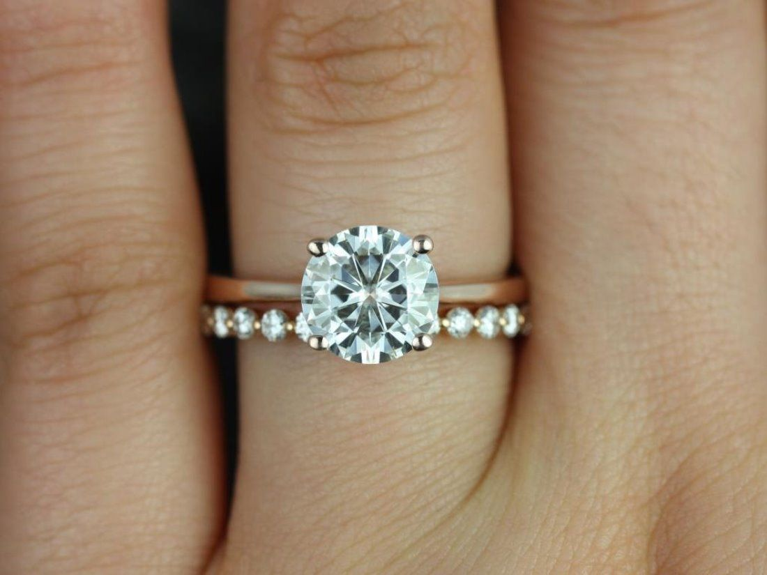 engagement ring simple simple wedding bands 25 Best Ideas about Engagement Ring Simple on Pinterest Dainty engagement rings Wedding rings simple and Small engagement rings