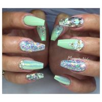 Pastel green coffin nails glitter summer design ...