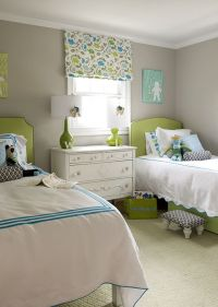 girl's rooms - gray walls green lamps green headboards ...