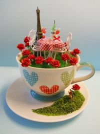 'DiNiNG iN PaRiS' TEaCuP Diorama ________byLoveHarriet ...