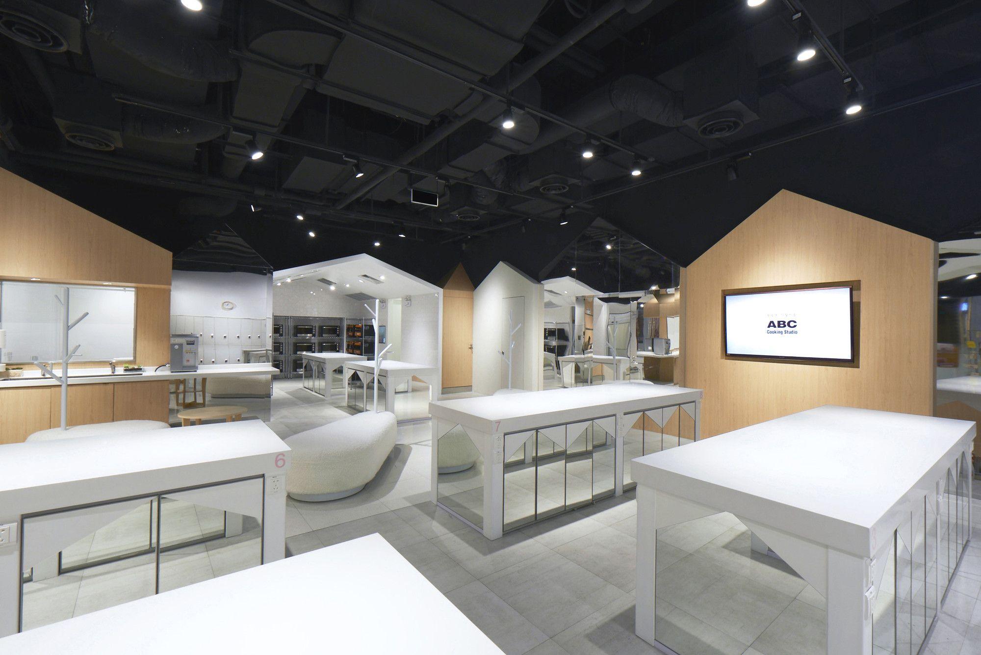 kitchen table cooking school ABC Cooking Studio Prism Design