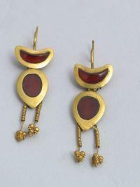 Georgian National Museum Earrings Gold, garnet, 6.6x2 cm ...