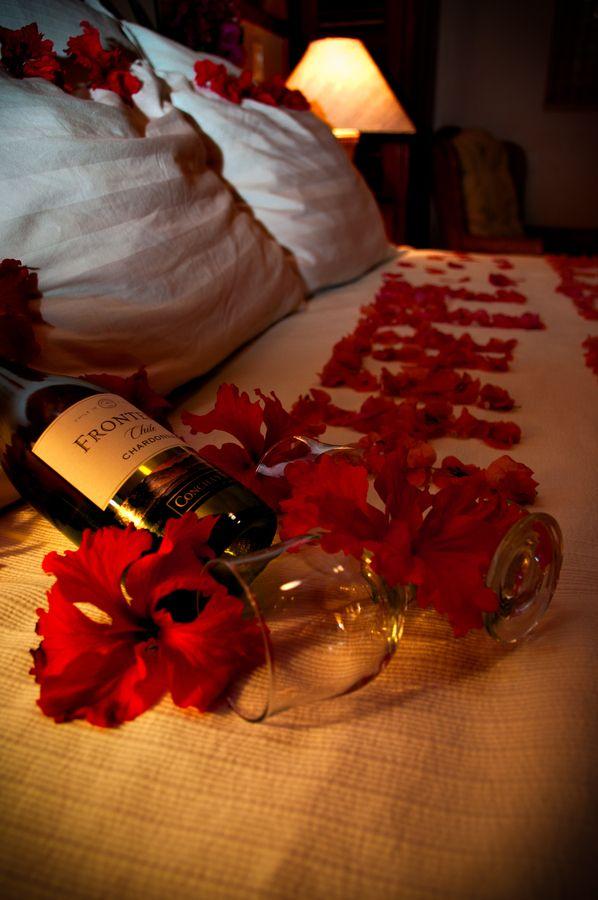 16 Valentineu0027s Day Decor Ideas Romantic, Wine and Romance - romantic bedroom ideas for him