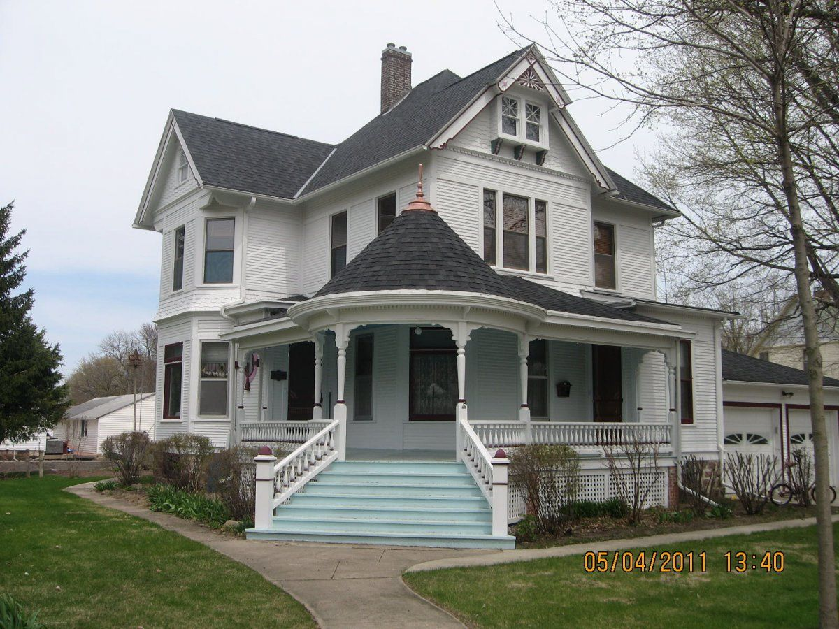 Victorian Farmhouse Architecture Beautiful White Eastlake Queen Anne Victorian Style House