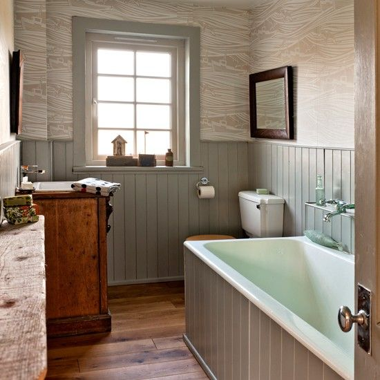 Bathroom with tongue and groove panelling Traditional bathroom - traditional bathroom ideas