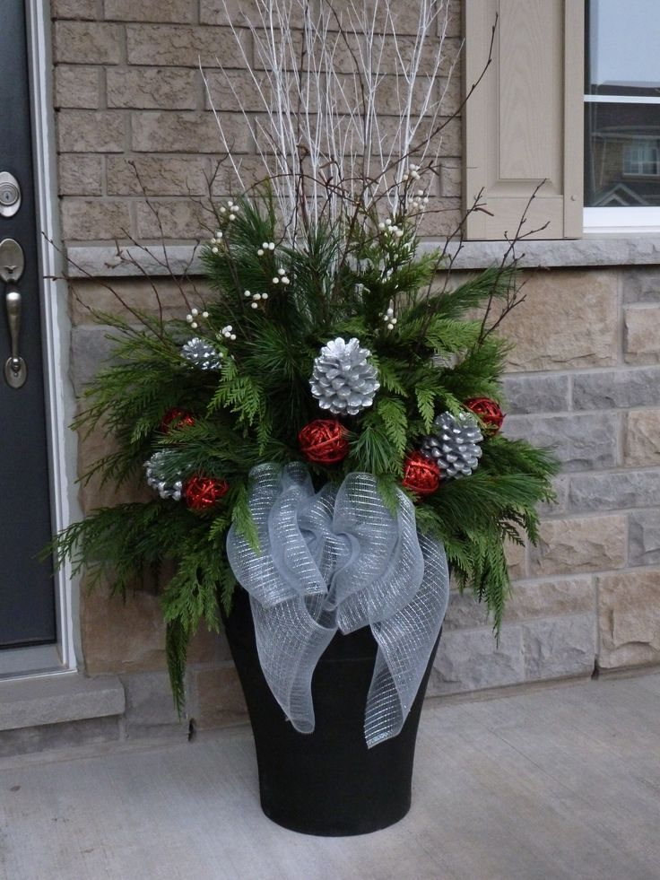 Christmas planter, by Ana Mateus #Christmas #Decorations #Outdoor - christmas floral decorationswhere to buy christmas decorations