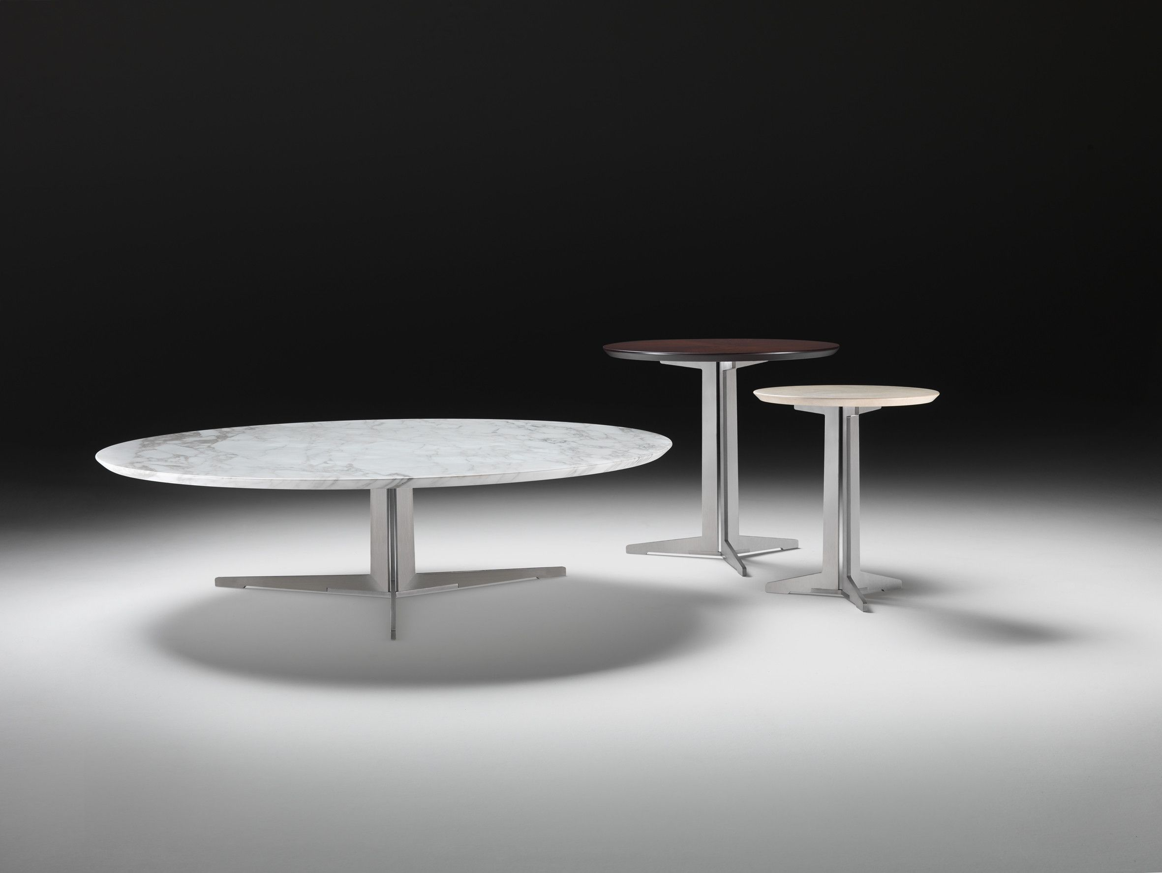 Fly Tables Flexform Fly Oval And Round Small Tables With Frame In