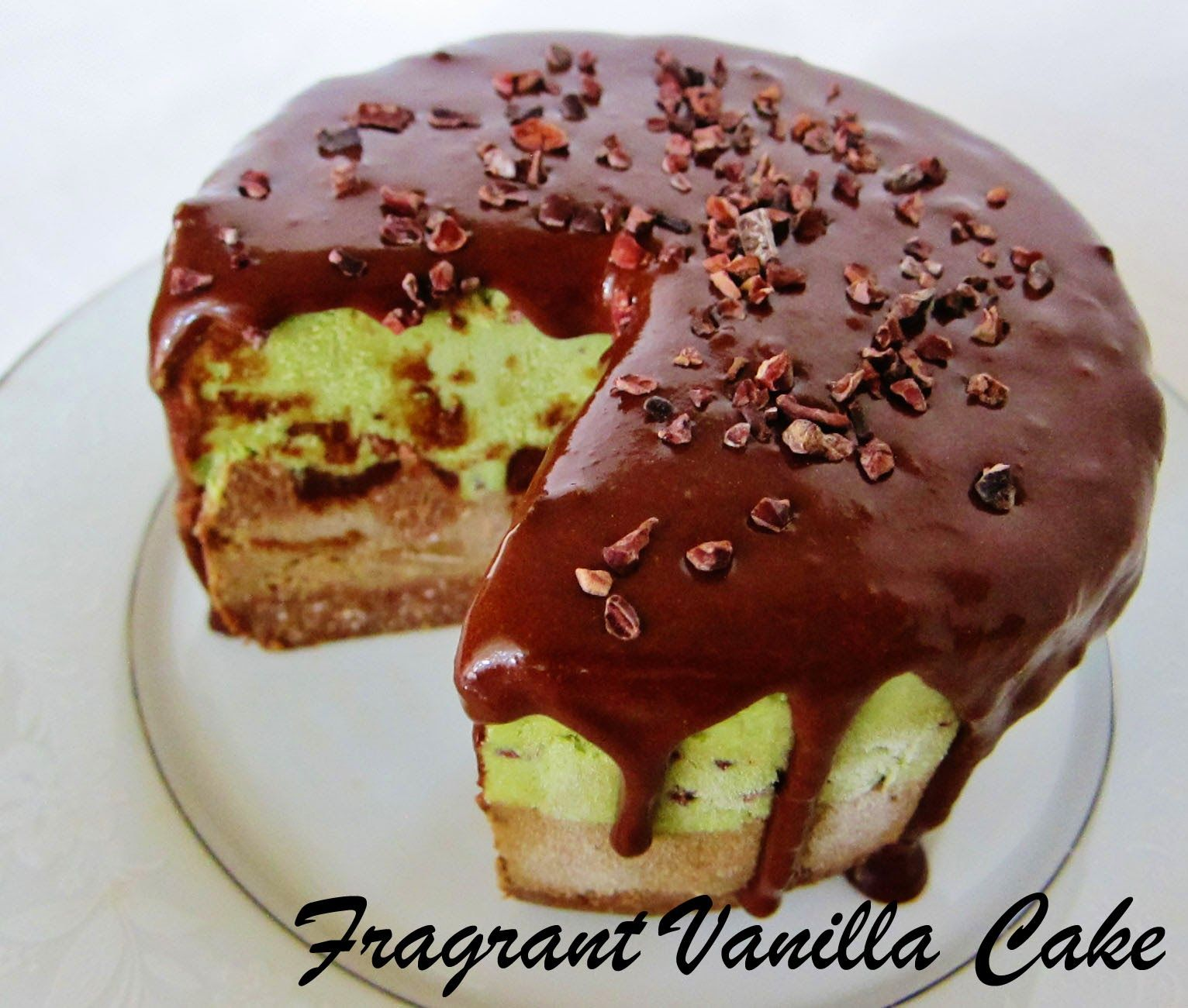 Veganischer Kuchen Fragrant Vanilla Cake Raw Mint Cacao Chip Ice Cream Cake