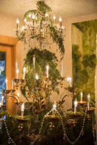 DIY Cupcake Holders | Brittany, Christmas tree and Chandeliers