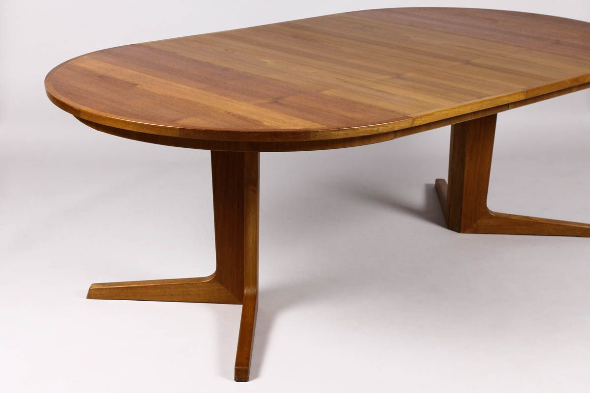 Modern Expandable Dining Table Square Wooden Pedestal Table Bases Beautiful Table Danish