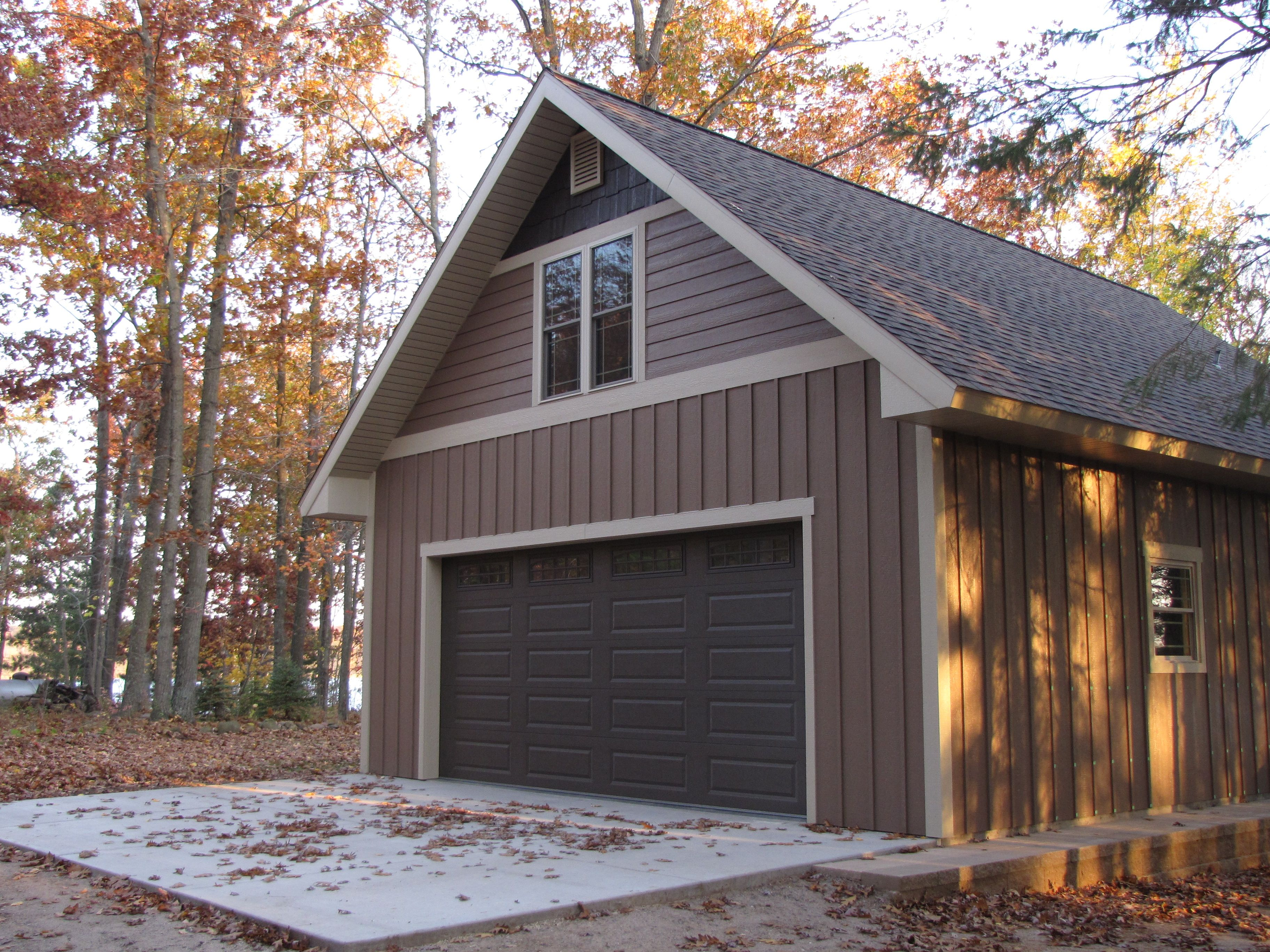 Horizontal Board And Batten Siding Board And Batten And Siding Color Is Diamond Kote Bungalow
