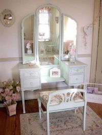 Simple White Antique Vanity Table Design With Reclining ...