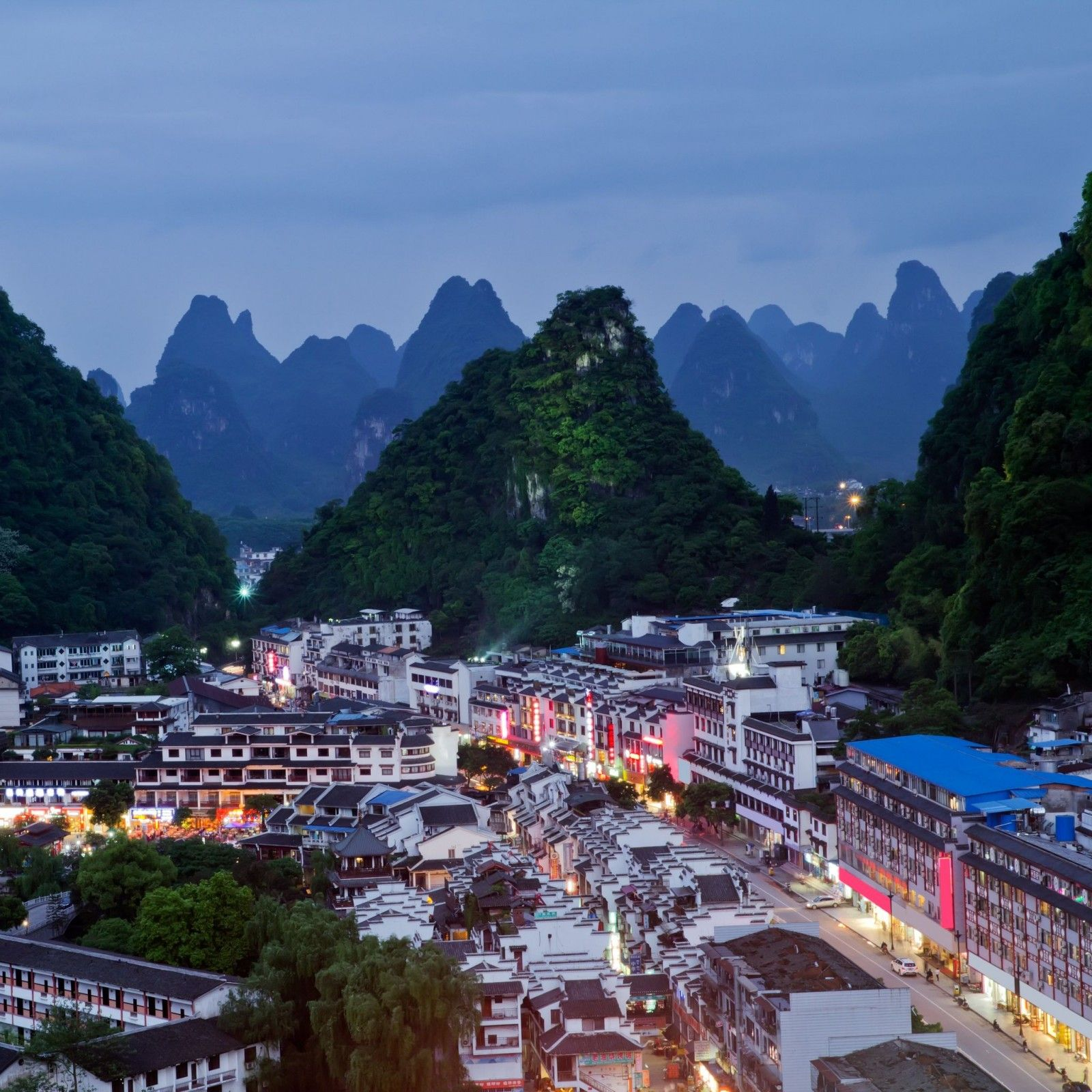 Fall Town Wallpaper Guilin City China Places To Fall In Love With