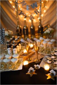 Festive New Year's eve party decoration idea that you will ...