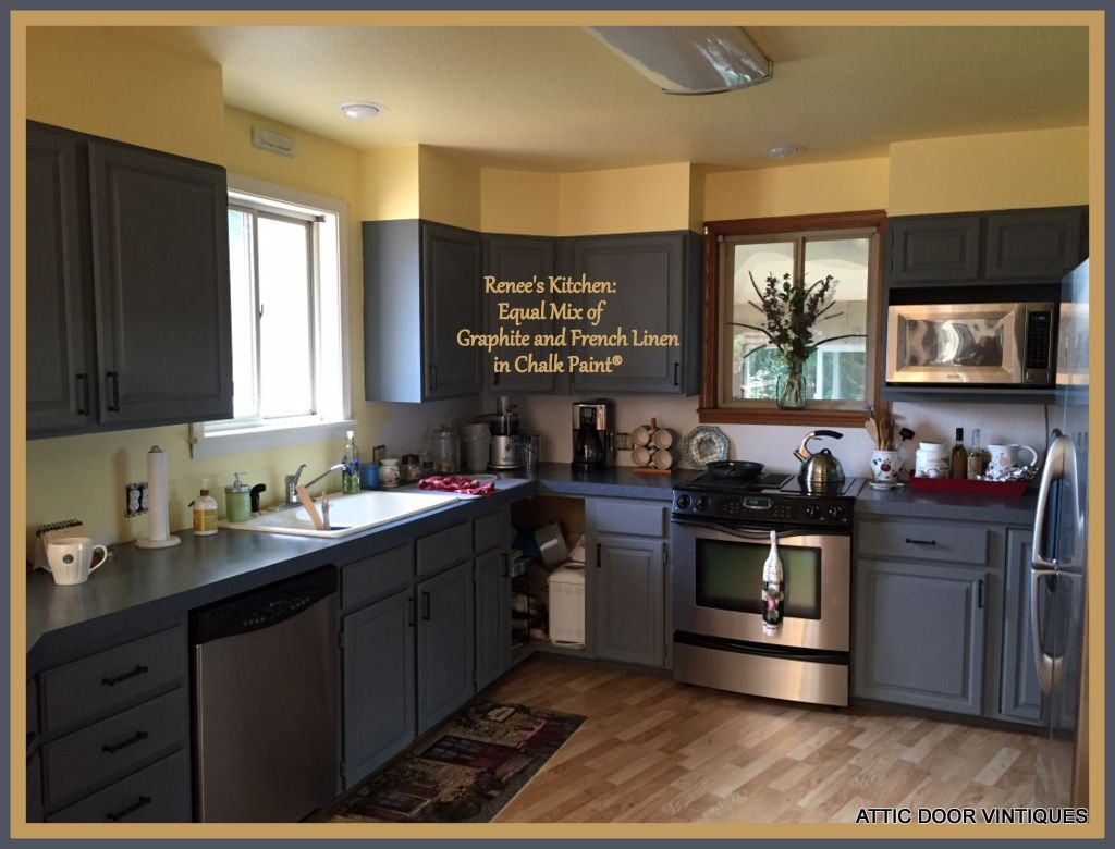 Thermofoil Kitchen Cabinets Renee Painted Her Kitchen Cabinets With Chalk Paint By