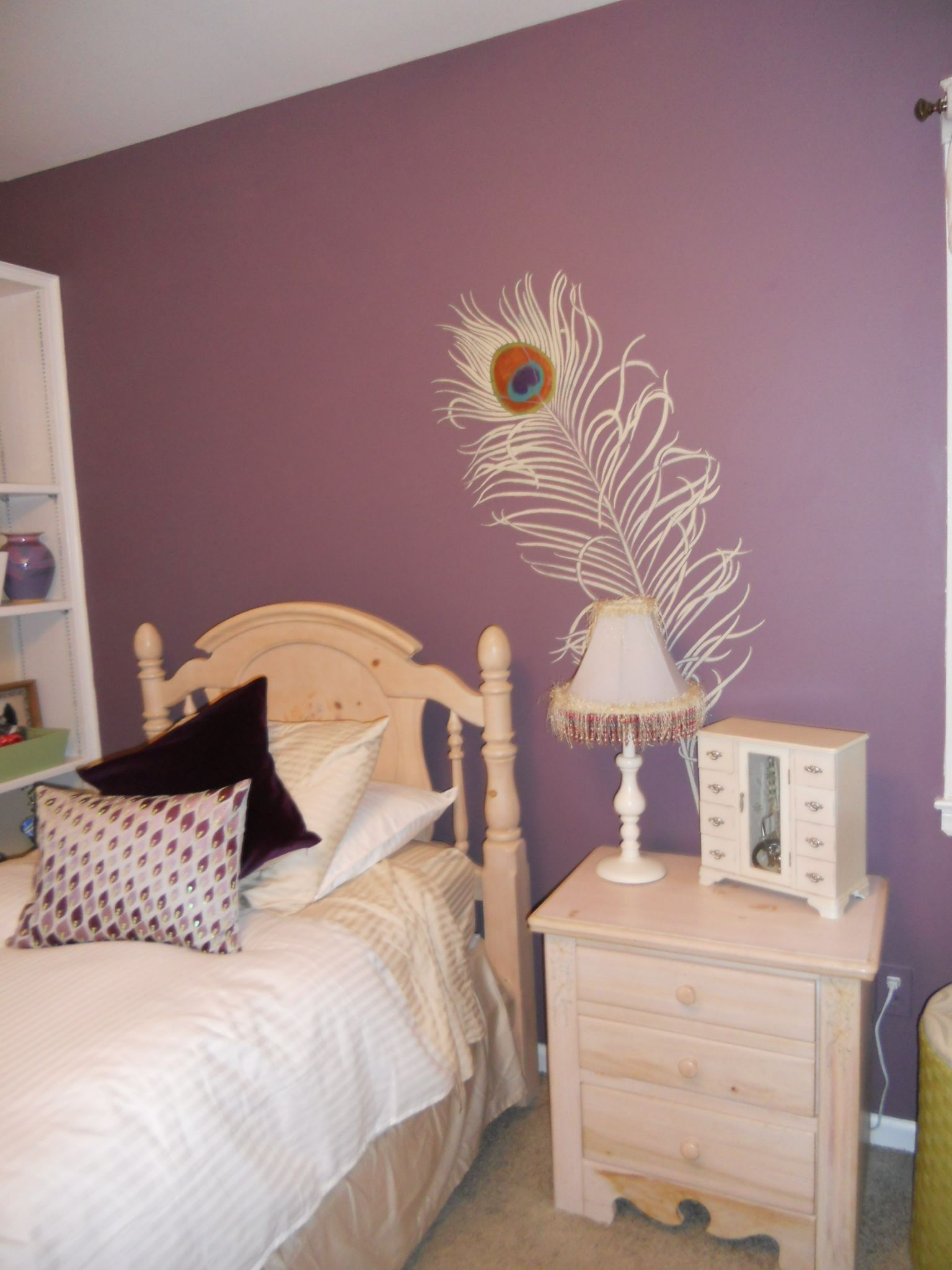 Peacock Bedroom Decorating Ideas Peacock Feather On Mauve Wall Peacock Moods Pinterest