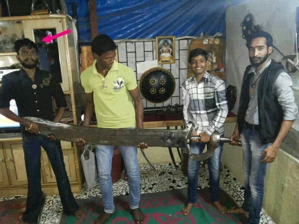 Shivaji Raje 3d Wallpaper 90kg Sword Of Marathi King Chatrpati Shivaji Maharaj Of