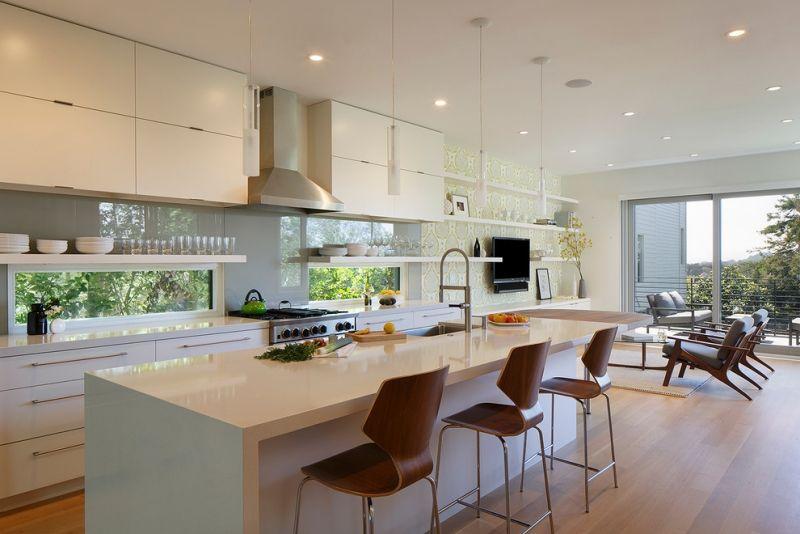 Küche modern gestalten - Glas-Spritzschutz und Corian-Kochinsel - moderne kuche gestalten