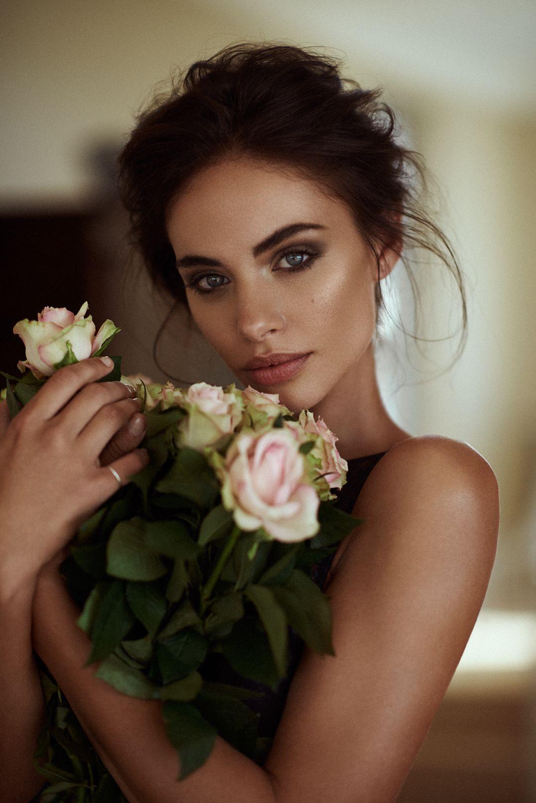 Braut Make Up Grune Augen Moderne Almhochzeit In Marsala Und Grun