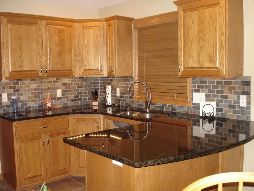 kitchen design ideas with oak cabinets oak kitchen cabinets images about kitchen remodel on pinterest oak cabinets oak kitchen cabinets and granite backsplash