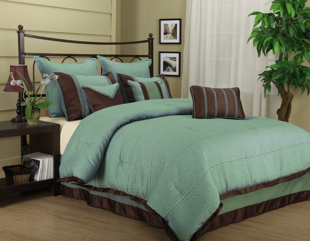 Brown And Teal Bedroom Teal And Brown Bedding Makes A Nice Master Bedroom Or