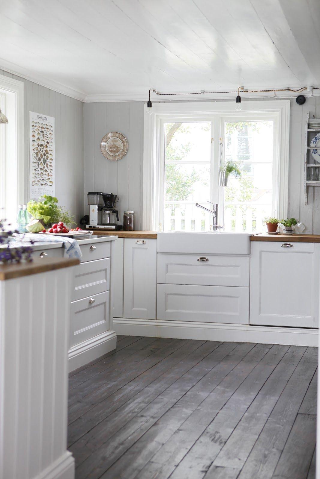 kitchen floor cabinets Planks