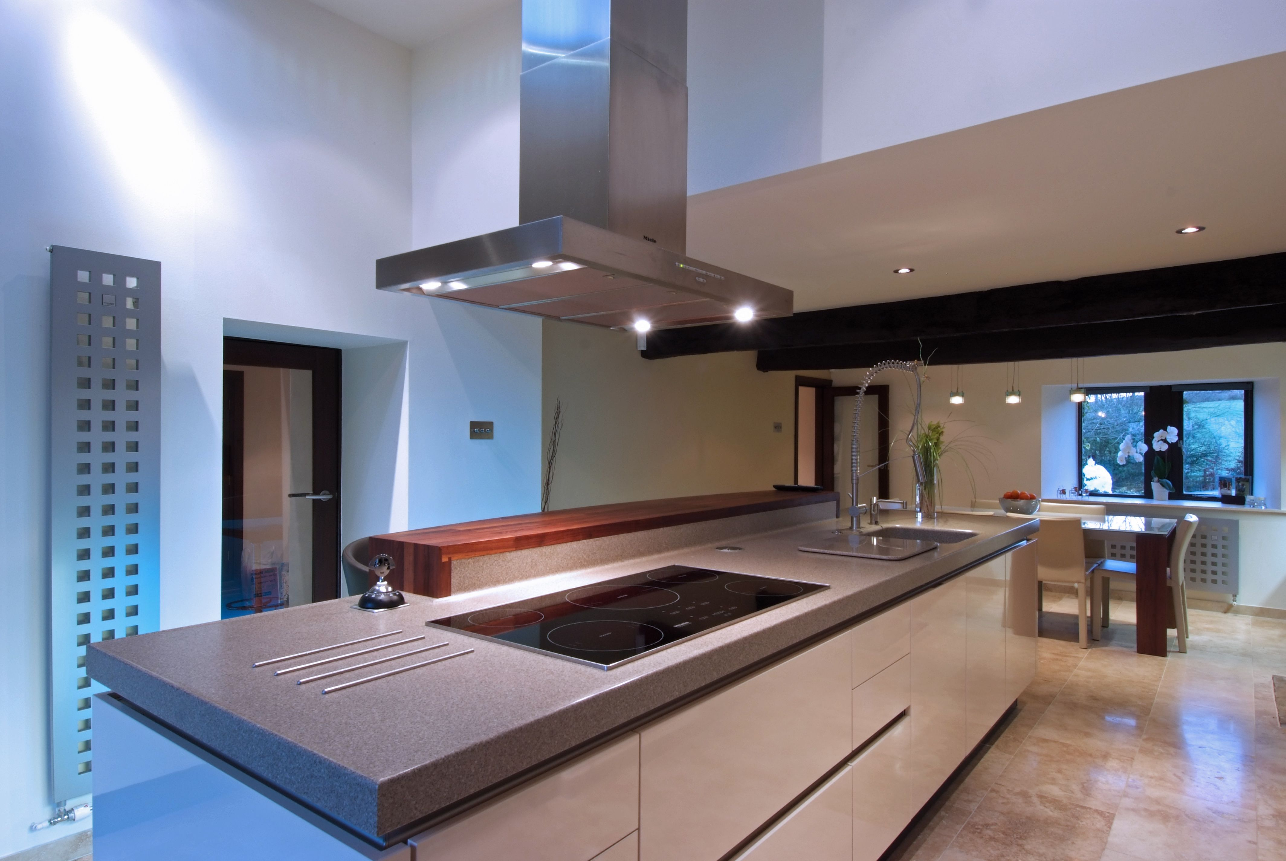 Modern Kitchen Fans This Stuart Frazer Siematic Kitchen Features A Central