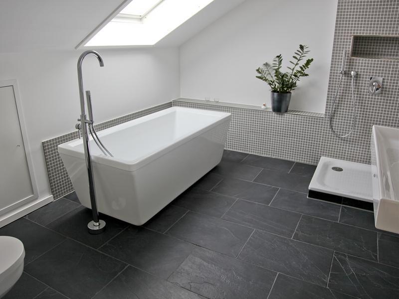 Die besten 25+ Badezimmer grau weiß Ideen auf Pinterest weiße - badezimmer hell grauer boden