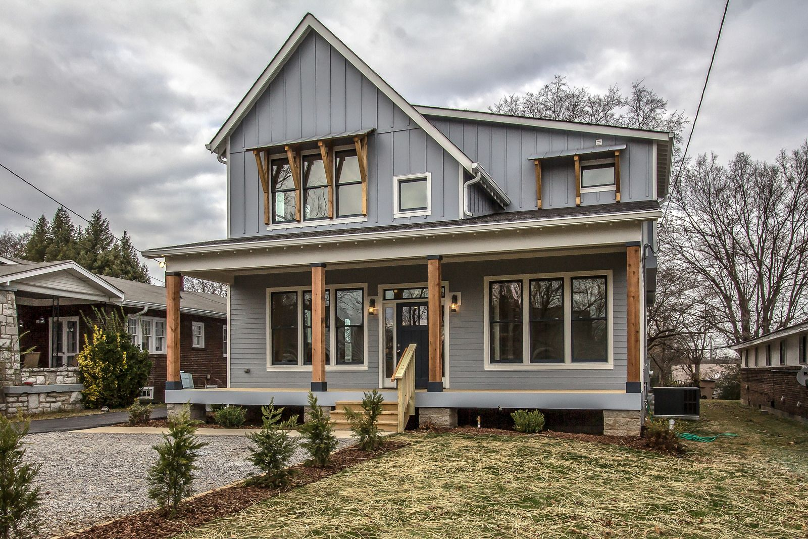 Farmhouse Color Palette Exterior Urban Farmhouse Exterior Urban Farmhouse Urban And Houzz