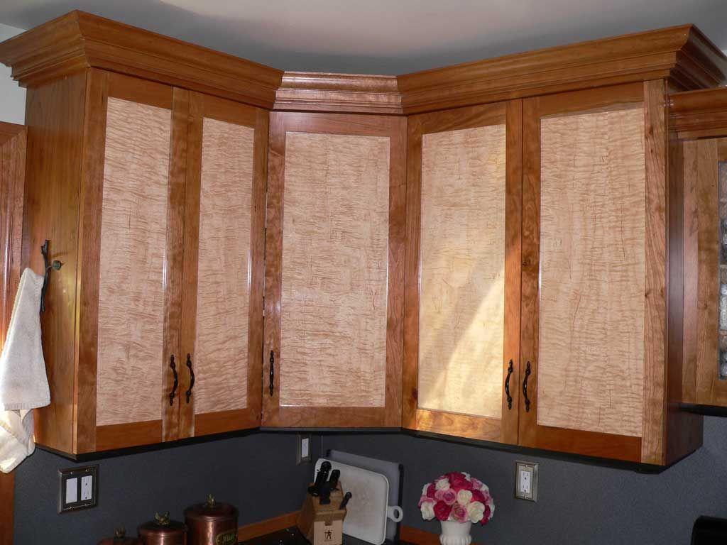 birdseye maple kitchen cabinets maple kitchen cabinets