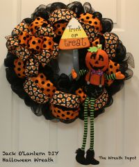 DIY Mesh Waving Jack O'Lantern Halloween Wreath