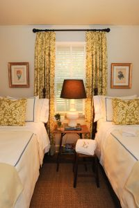 22 Guest Bedrooms with Captivating Twin Bed Designs | Twin ...