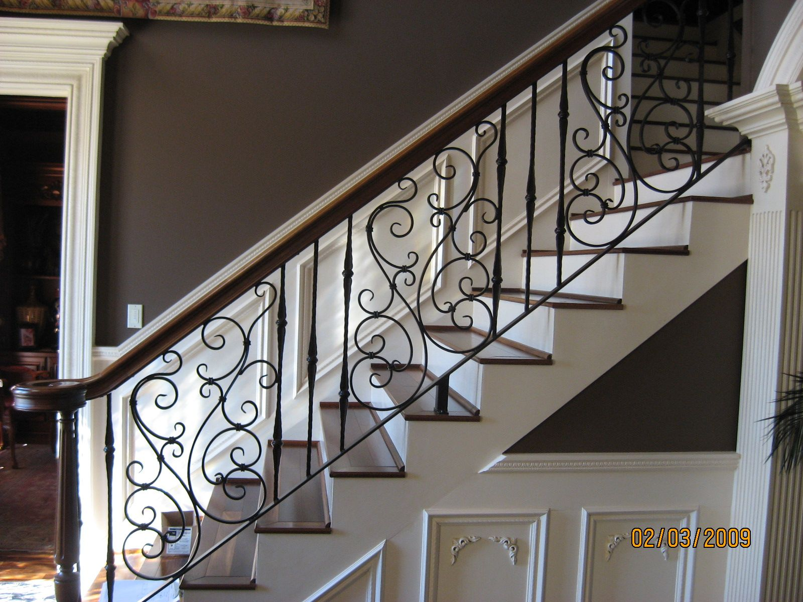 Wrought Iron Staircase Designs Pretty Swirly Wrought Iron Stair Railing For The Home