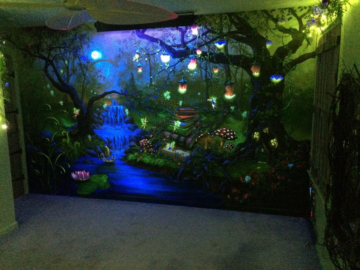 Pinterest Girls Kids Rooms With Wood Wallpaper Enchanted Forest Bedroom Mural Under The Blacklight At