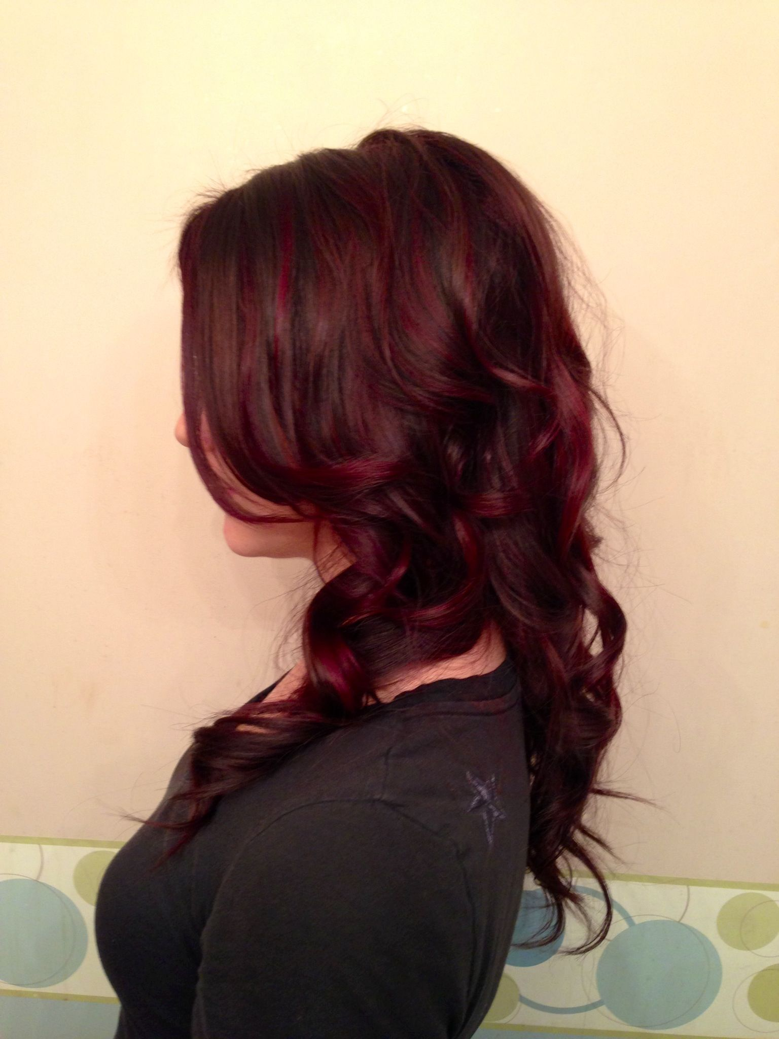 Haarfarbe Dunkelrot Lila Rich Dark Chocolate And Vibrant Violet Highlights