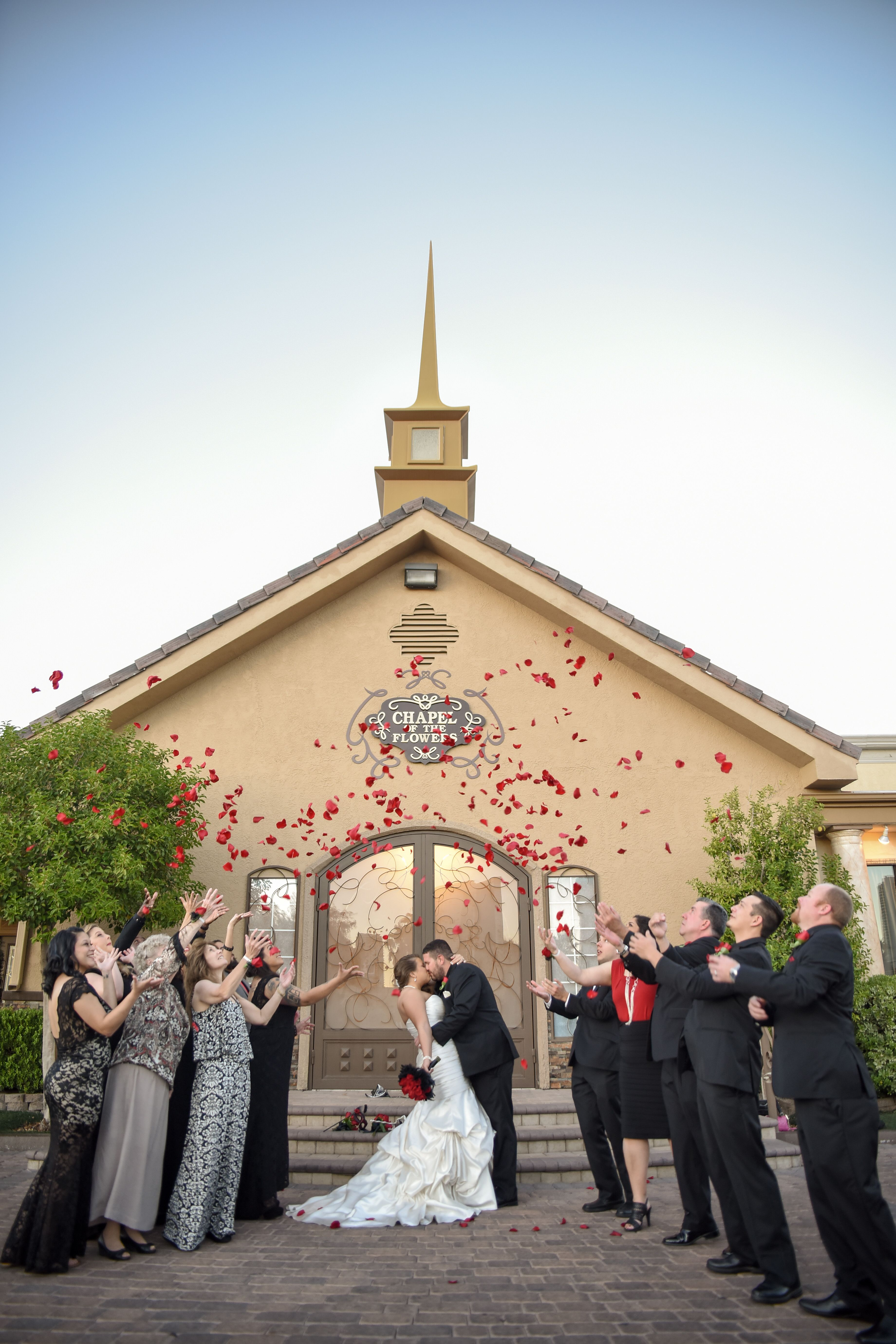 vegas wedding chapels Browse our Las Vegas wedding packages and choose from Lake Las Vegas Chapel of the Flowers or the Grand Canyon Find your Vegas wedding package here