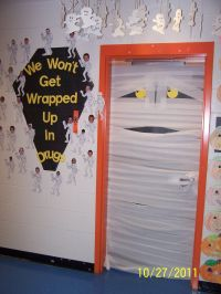 Mummy Door-Kindergarten | Halloween | Pinterest ...