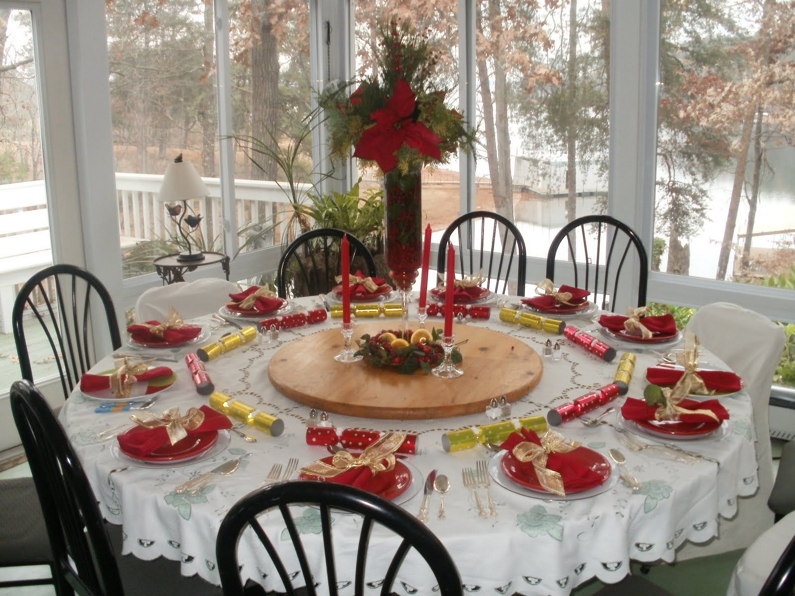 Table settings for dinner party google search round table decorationschristmas