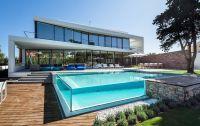 20 Stunning Glass Swimming Pool Designs