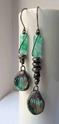 Emerald stand - handmade earrings, beaded earrings, green ...