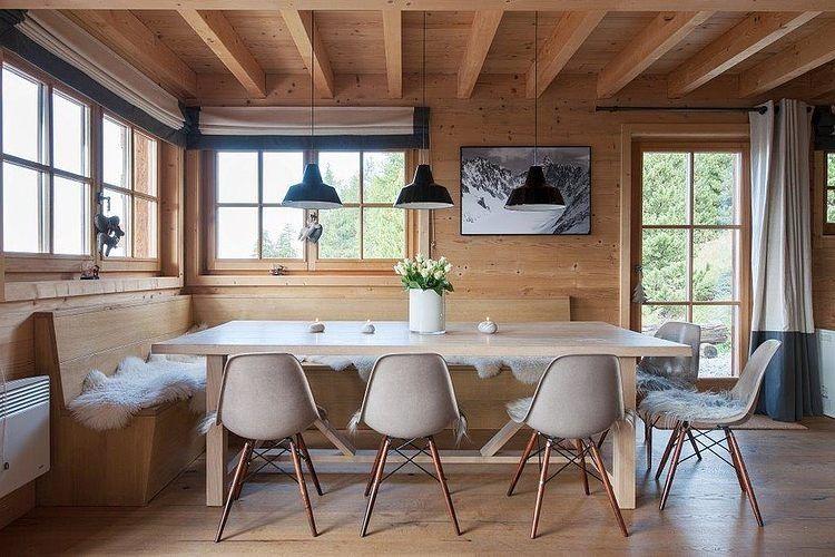 Dining nook in a chalet in Switzerland designed by Donatienne d - esszimmer chalet