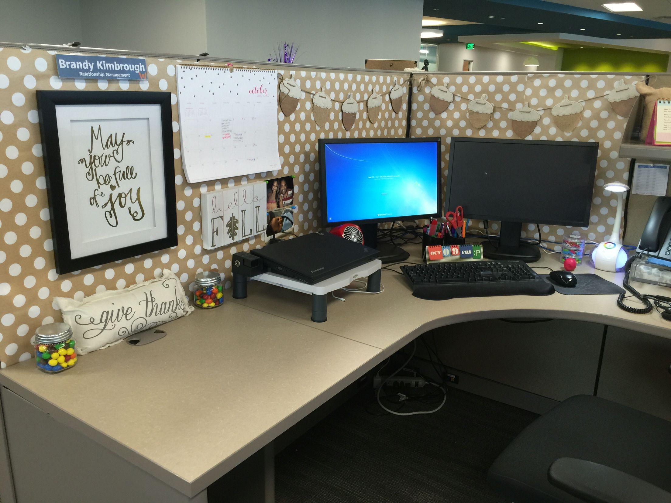 Work Cubicle Decor Falledition Pinteres