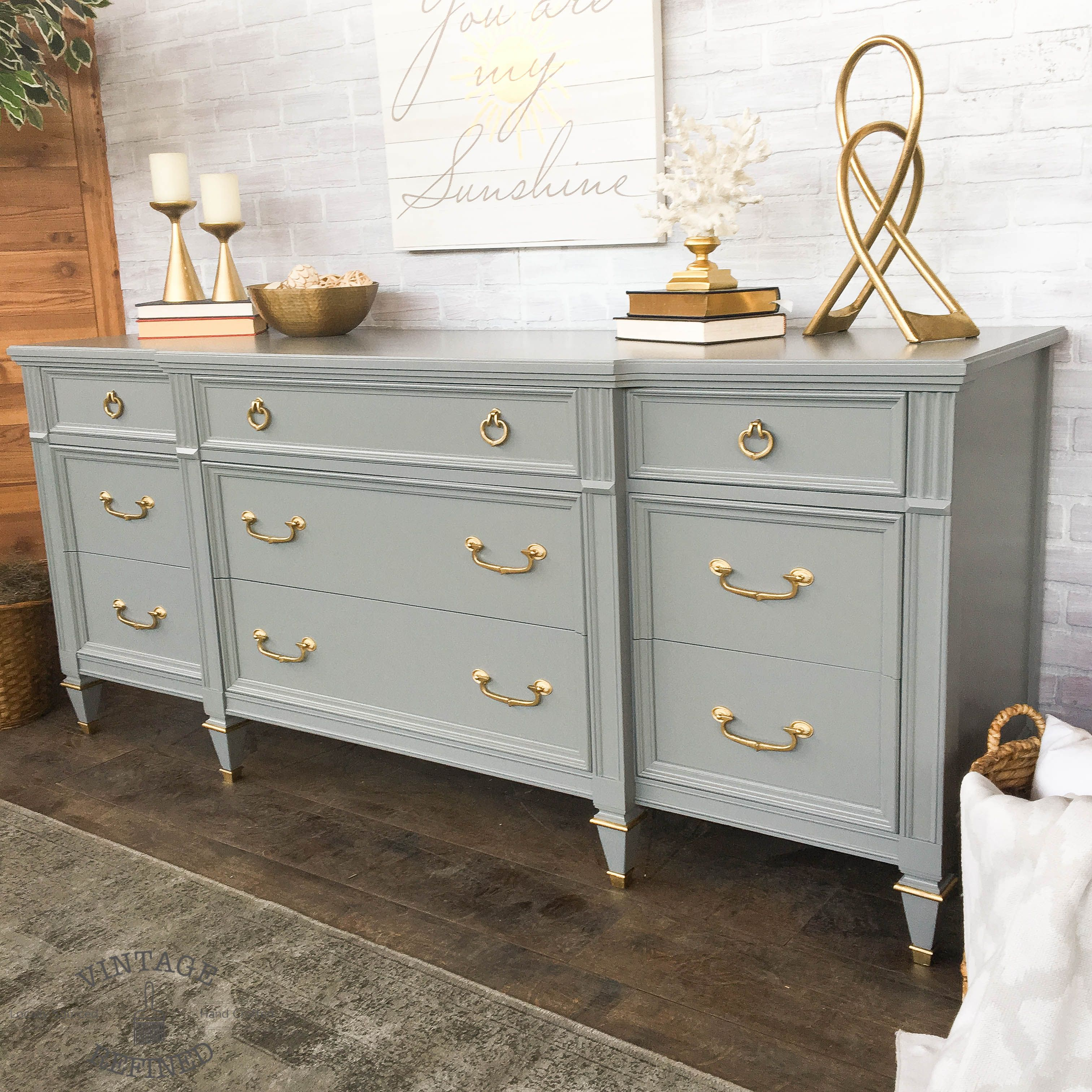 Meuble Peint En Gris Grey Painted Dresser With Gold Hardware Painted Furniture